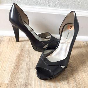 Sexy Tahari peep toe heels black great condition 7